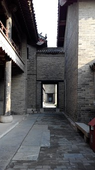 Qufu China Three-hole, Ancient Architecture