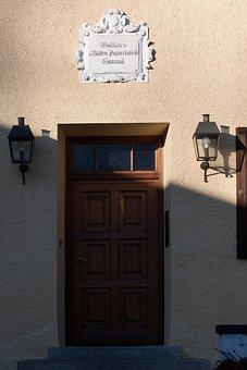 House, Input, Lanterns, Lamps, Lighting, Shield, Door