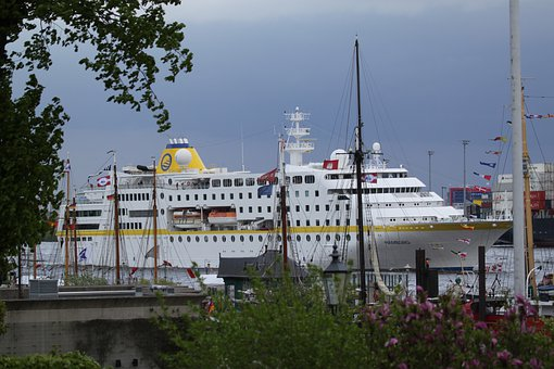 Hamburg, Elbe, Port, Germany, Boats, Water, Ship, Sea