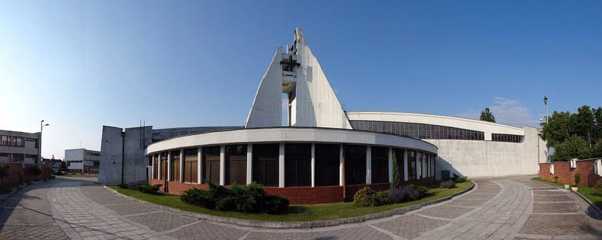 Five Saints Brothers Church, Bydgoszcz, Building