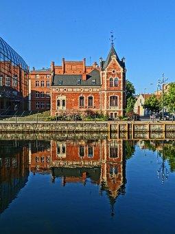Lloyd's Palace, Bydgoszcz, Poland, Waterfront