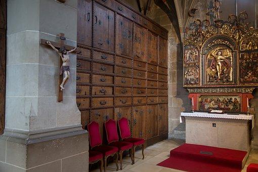 Schwäbisch Hall, St Michael, Sacristy, Cabinet, Altar