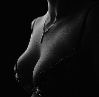 Decollete, Bra, Section, Chain, Human, Breast