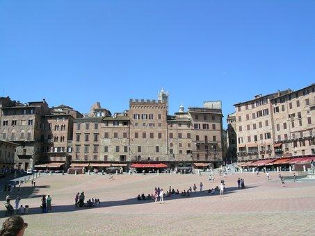 Italy, Tuscany, Siena, Square Of The Field