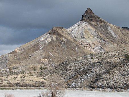 Sheep Rock, John Day Fossil Beds, Eastren, Oregon, Usa