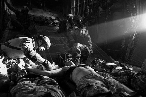 U S Air Force, Casualties, Plane, Treating, Medics