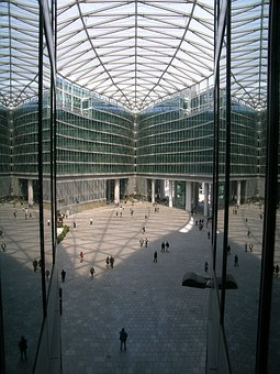 Piazza Veneto, Milan, Window, Palazzo Region, Glimpse