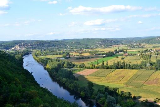 River, Dordogne, The Valley Of The Dordogne, Shore