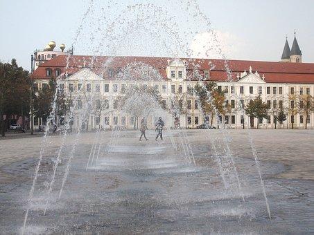 Fountain, Magdeburg, Church Square