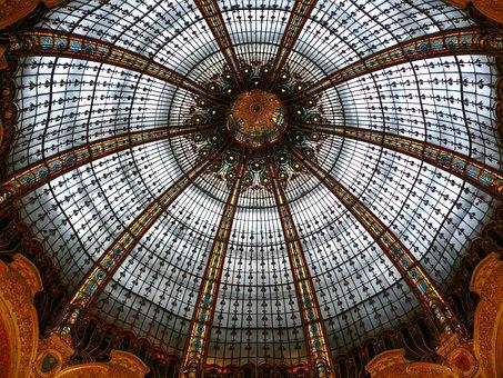 Paris, Gallery Lafayette Haussmann, Lighting, Trade