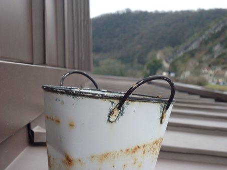 Bucket, Rust, Roof, Water, Gardening, Worn