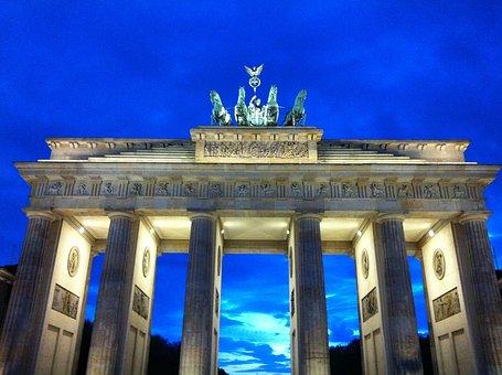 Berlin, Brandenburg Gate, Dusk