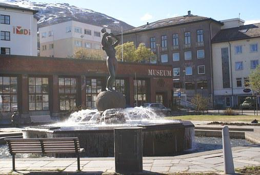 The Lady On The Square, Freedom Monument, Narvik Square