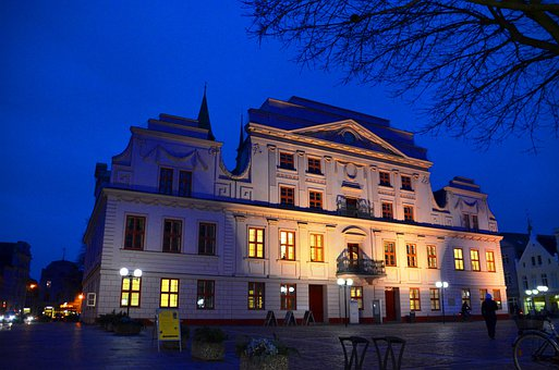 Market, Güstrow, Mecklenburg, Town Hall, Night