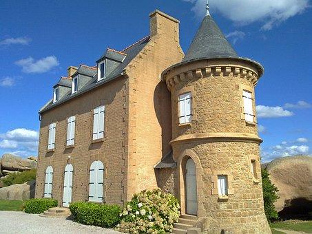 Brittany, Côte De Granit Rose, Breton Home