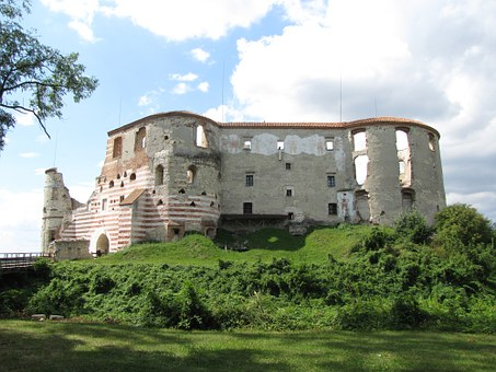 Castle, The Ruins Of The, Janowiec, Poland