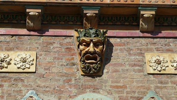 Zsolnay Cultural Quarter, Pecs, Ornament, Statue