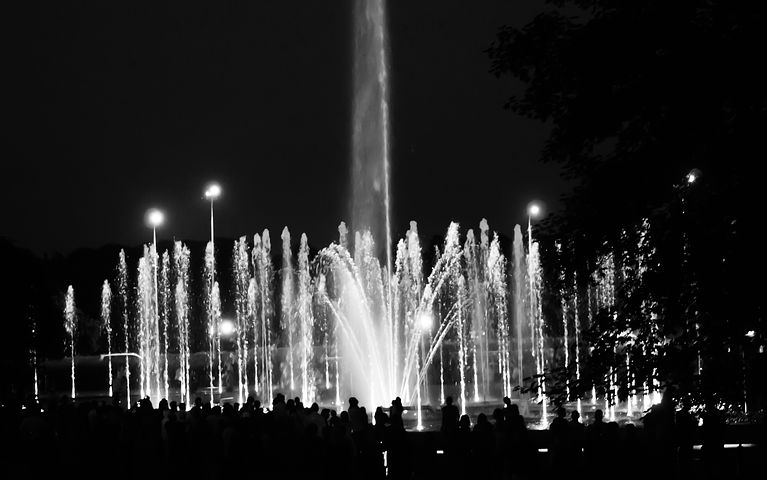 Warsaw, Fountain, Water, Light, People, Stream Of Water