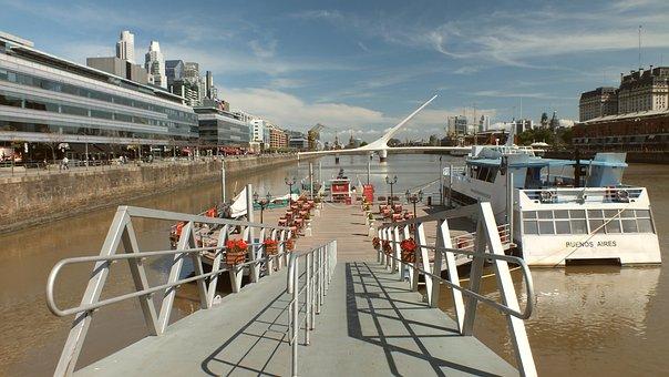 Buenos Aires, Along The River, Ship