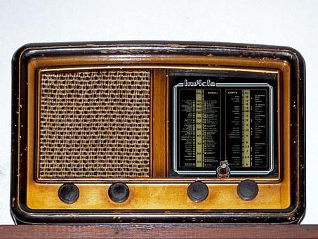Old Radio, Old, Valves Within, Unbeaten