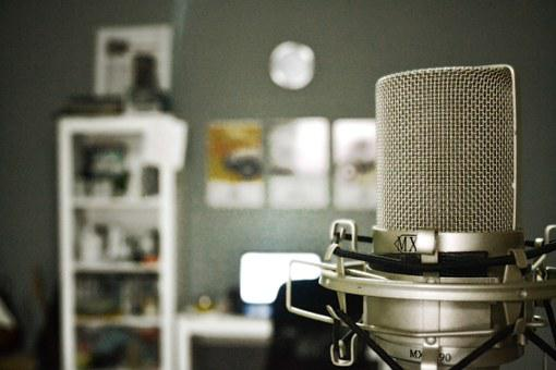 Microphone, Voice Over, Music