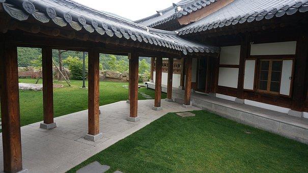 Kangwon Land, The Parasitical, Giwajip