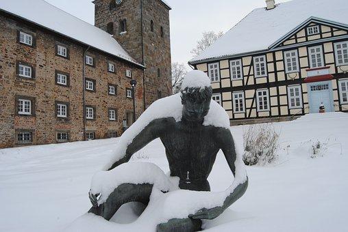 Wennigsen, Chamber Of The Monastery, Statue, Snow