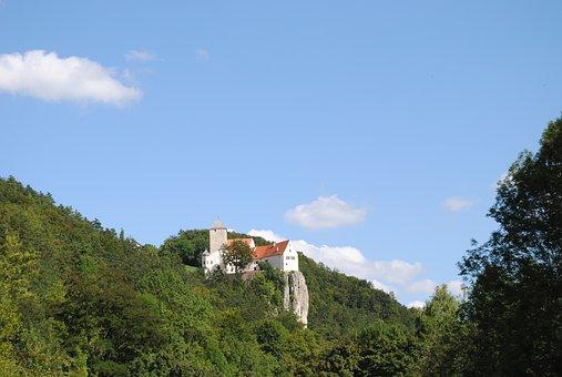 Altmühltal Nature Park, Castle Prünn, Essing