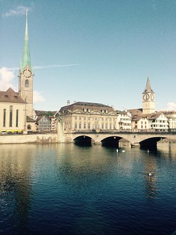 Zurich, Limmath, River, Fraumünster, St Peter's Church