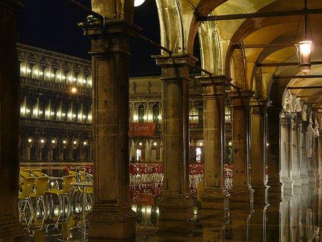 Venice, Acqua, Alta