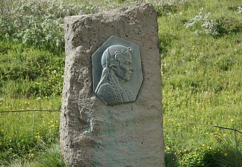 Monument Gullfoss, Sigríður By Brattholt, Stone