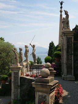 Milan, Italy, Palazzo Borromeo, Statues, Monuments