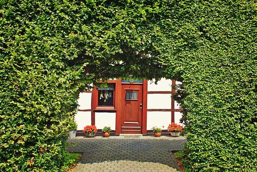 Hedge, Hedge Accounting, Fachwerkhaus, Access, Archway