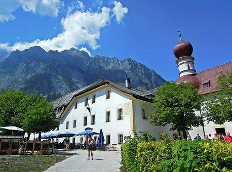 Holiday, Inn, Rest, Einkehr, Mountains, Clouds