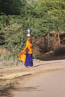 India, Woman, Saree, Worker, Poor, Travel