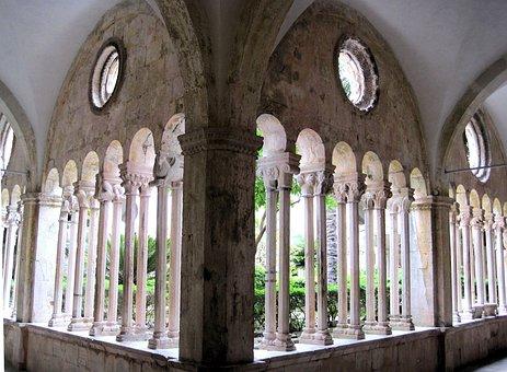 Dubrovnic, Artchitecture, Garden Arches, Courtyard