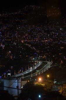 Medellín, Mother Laura Bridge, Night