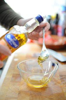 Walnut Oil, Salad, Spoon, Glass Bowl, Preparation, Eat