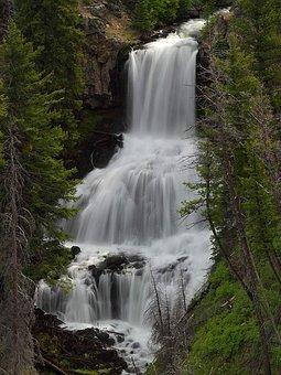 Undine, Waterfall, Yellowstone National Park, Wyoming