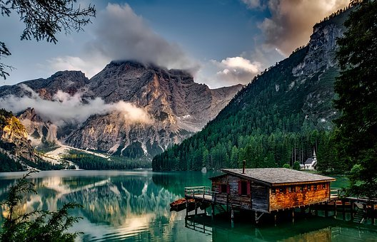 Italy, Mountains, Pragser Wildsee, Dawn, Daybreak