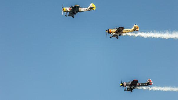 Airplane, Aircraft, Yak52, Smoke, Plane, Flight, Fly