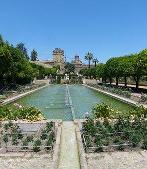 Alcázar De Los Reyes Cristianos, Water Games, Gorgeous