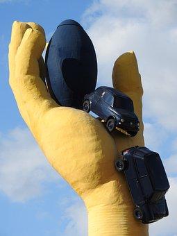 Rond Point, Châtellerault, Pila, Yellow Hand, Sculpture
