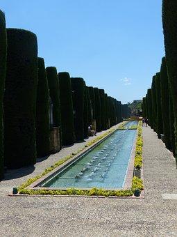 Alcázar De Los Reyes Cristianos, Park, Hedge Planting