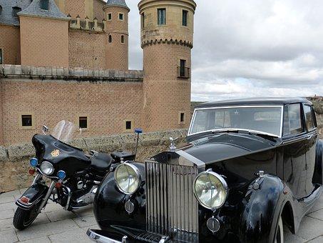 Rolls-royce, Alcazar, Segovia, Castile, Old Town