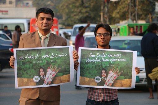 Apsmartyrs Pakistan, Neverforget, Peshawar, School