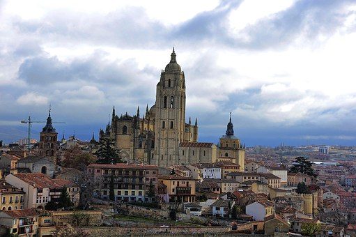 The Lady, Segovia, Cathedral