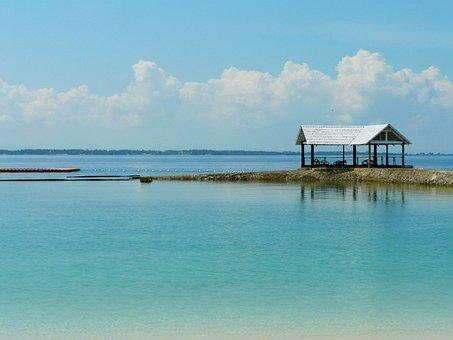 Blue Sea, Clear Water, Resort, Beautiful Scenery