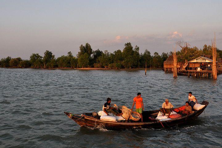Irrawaddy, Delta, Myanmar, Burma, Freshwater, People