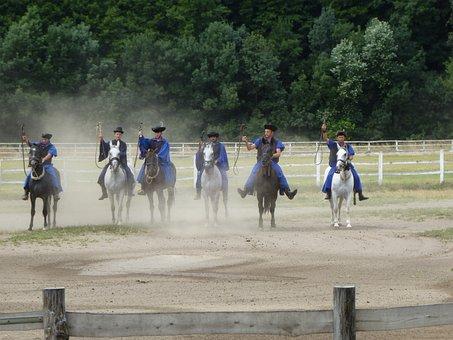 Equestrian Droves, Art Ride, Rural